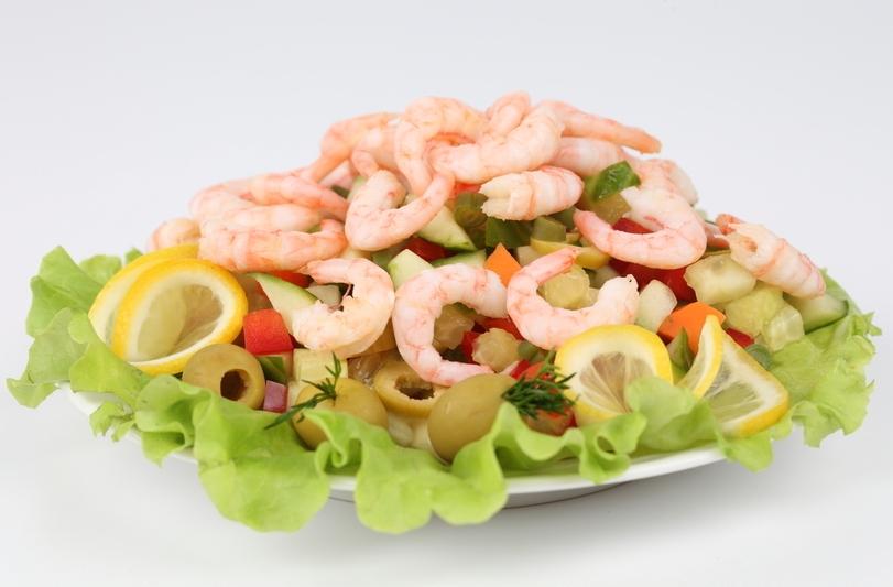 Прежде чем подавать морепродукты, убедитесь, что никто из гостей не страдает аллергией
