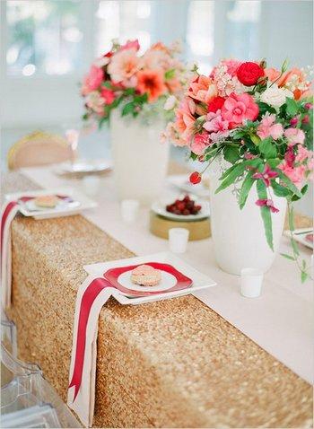 Оригинальное оформление праздничного стола. Фото с сайта woman-project.com