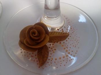 Розочка из полимерной глины. Фото с сайта svetaarhipova.blogspot.com