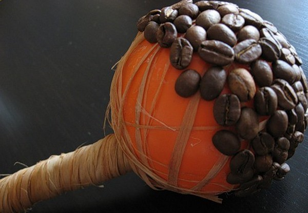 Приклеиваем зерна. Фото с сайта http://img1.liveinternet.ru/