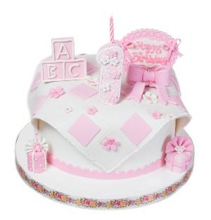 Шикарный дизайнерский торт надолго останется в памяти и у родителей, и у приглашенных на торжество