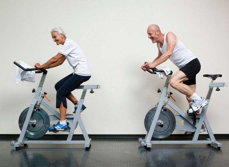 Что подарить мужчине на 50 лет: оригинально и практично