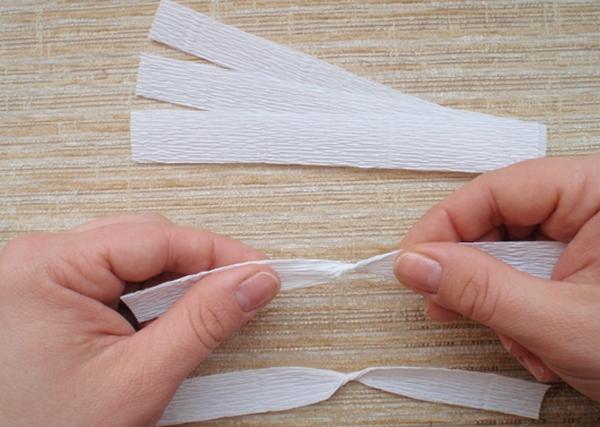 Делаем верхние лепестки. Фото с сайта http://content.podarki.ru/