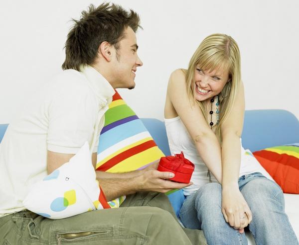 От любимого — проявления чувств и романтических сюрпризов