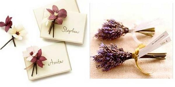 Нежные цветы на открытке и ароматный букет лаванды. Фото с сайта http://wedding-mood.com