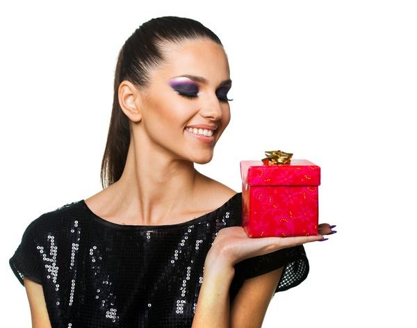 Как выбрать подарок правильно: рекомендации друзьям, родителям и любимым. Фото: Tijana - Fotolia.com