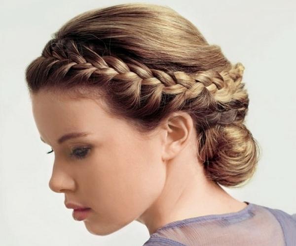 Как заплести косу на праздник. Фото с сайта krasotki.info