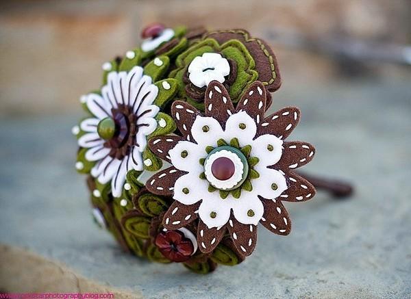 Свадебный букет из фетра. Фото с сайта izfetra.ru