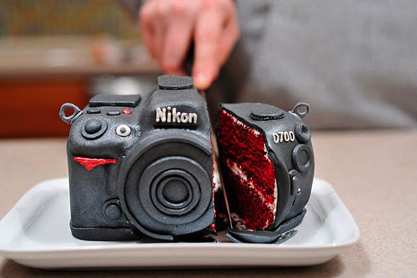Мужской вариант торта из мастики. Фото с сайта m.thegioididong.com