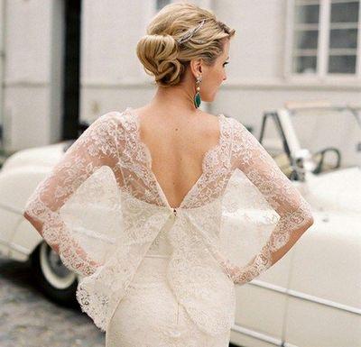 Кружево в оформлении свадебного платья — божественно! Фото с сайта ladyspecial.ru
