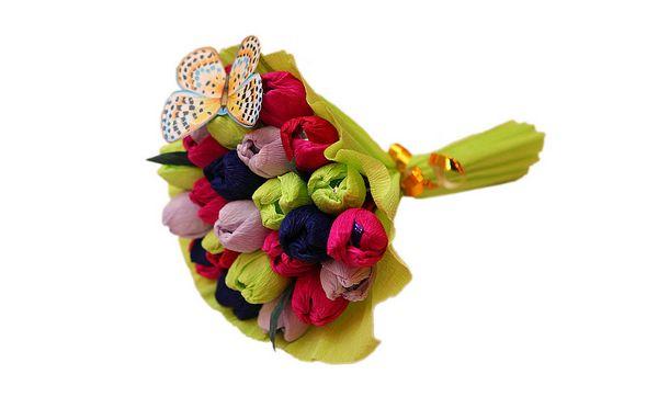 Красивый букет из конфет своими руками. Фото с сайта www.livemaster.ru