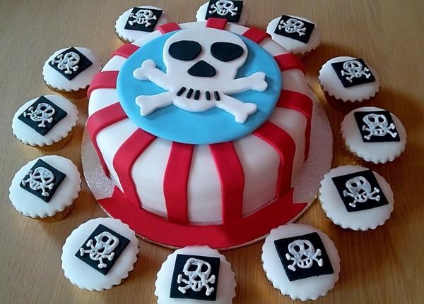 Блюда тоже должны быть оформлены в стиле праздника. Фото с сайта deti.mail.ru