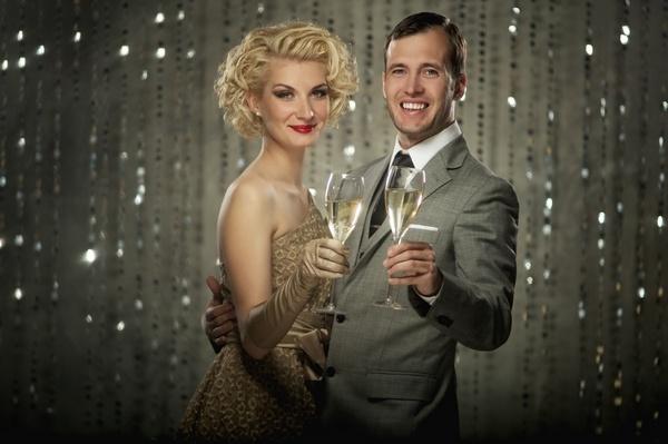 Как удивить пару на Новый год, какой подарок преподнести?