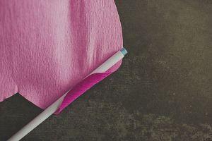 Подкручиваем кончики лепестков. Фото с сайта womanadvice.ru/