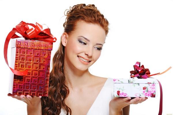 Выбор подарка девушке не легок