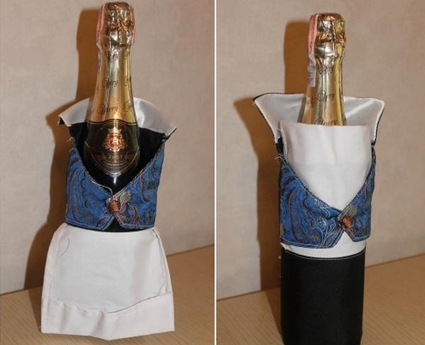 Вставляем бутылку в чехол. Фото с сайта http://womanadvice.ru/