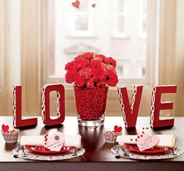 Утро начинается с романтического завтрака. Фото с сайта decoration0.com