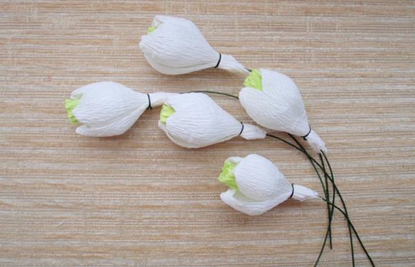 Выкладываем красиво цветы. Фото с сайта http://content.podarki.ru/