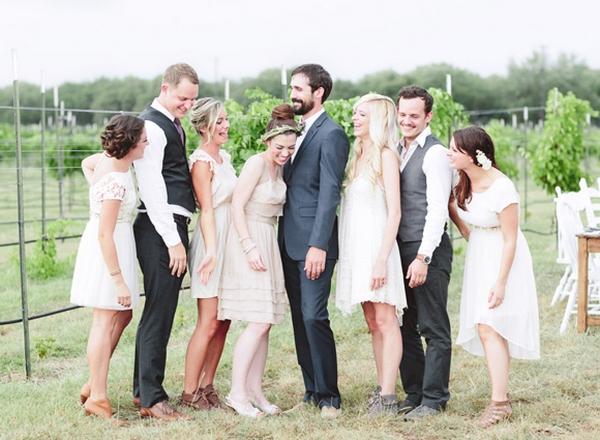 При выборе костюма важны и тематика, и время года свадьбы. Фото с сайта the-wedding.ru