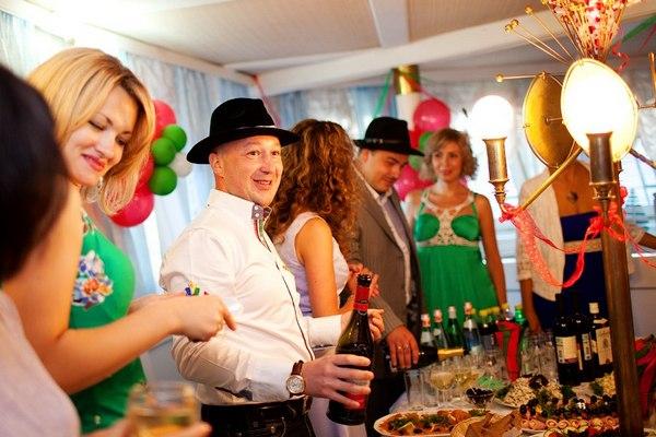 Развлечения для гостей должны быть разнообразными. Фото с сайта vashevent.ru