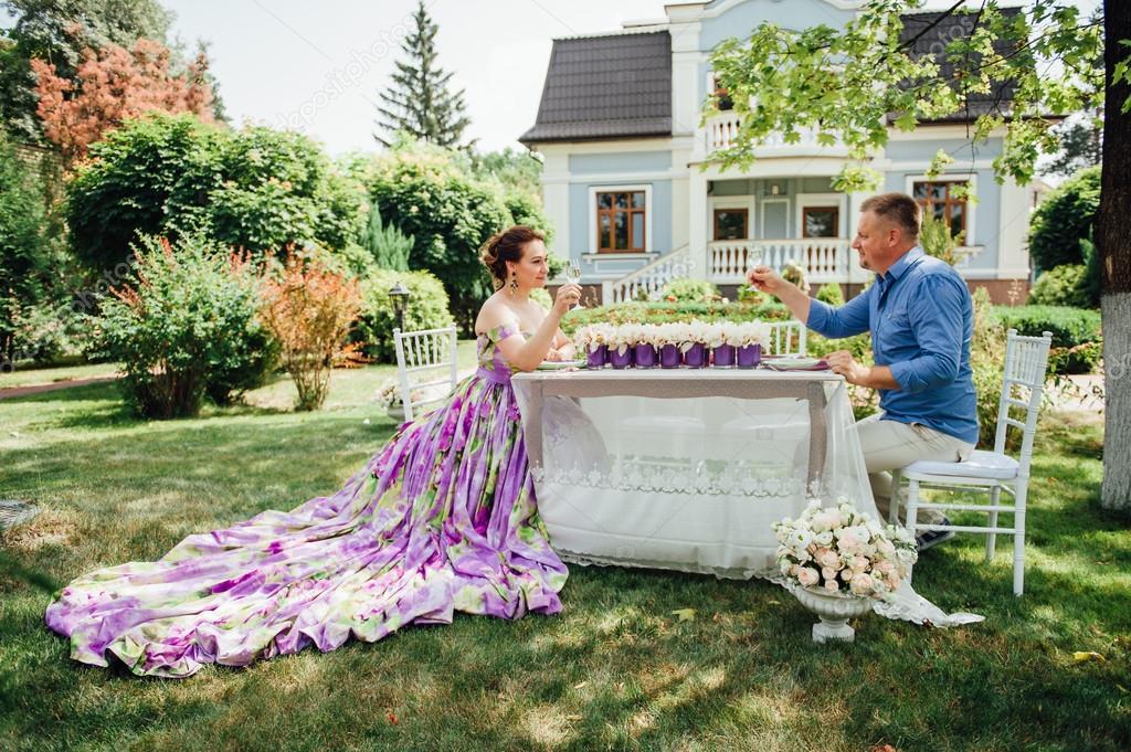 Хрустальная свадьба: идеи подарков на 15-летнюю годовщину