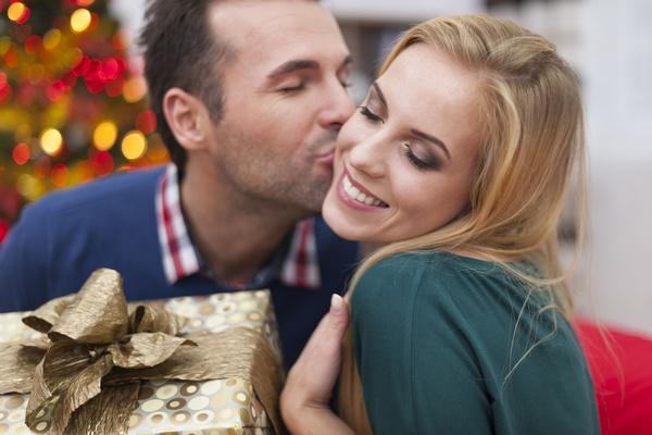 Как доказать свою любовь и подарить на Новый год сказку? Фото: gpointstudio - Fotolia.com