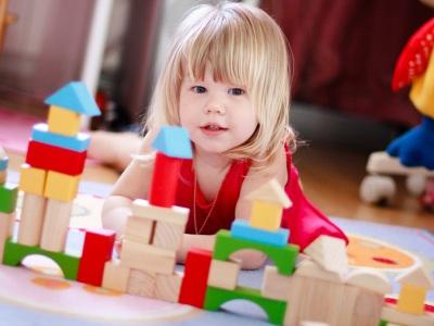 Игрушки, которые подойдут ребенку 2-х лет. Фото с сайта ogrudnichkah.ru